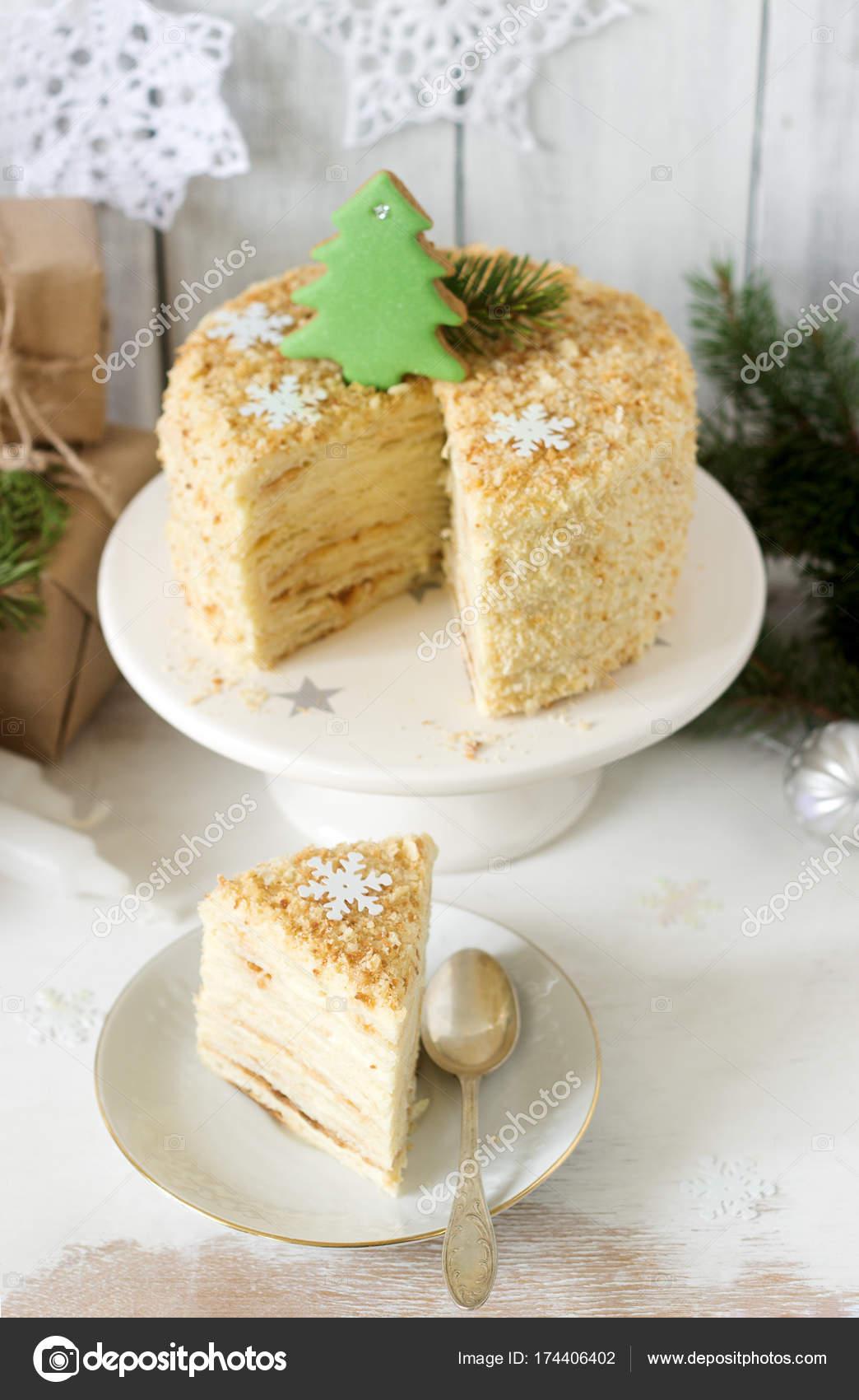 Ein Stuck Von Napoleon Kuchen Weihnachten Oder Silvester Dekoration