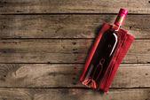 láhev růžového vína