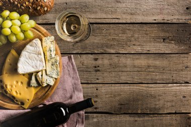 white wine, bread, and cheese