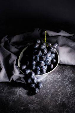 ripe grapes in bowl