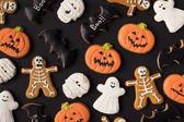 különböző dekoratív halloween süti