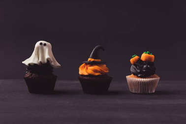 traditional halloween cupcakes