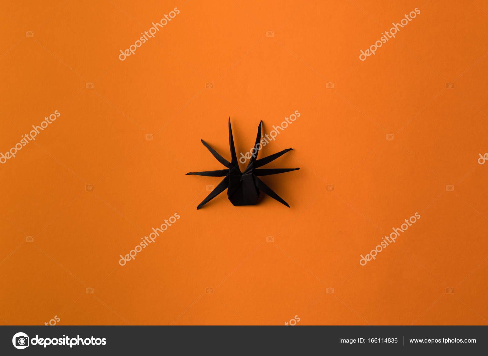 araignée origami halloween — photographie antonmatyukha © #166114836