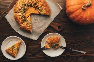 freshly baked pumkin pie