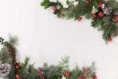 Vánoční rám z jedlových větví