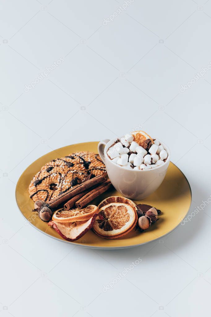 cookies and cacao with marshmallows