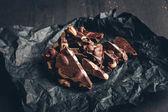 Fotografia cioccolato fondente con noci