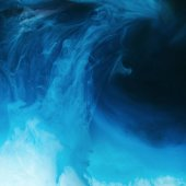 teljes méretű kép keverés, kék, fekete, türkiz és fehér festékek fröccsenő víz