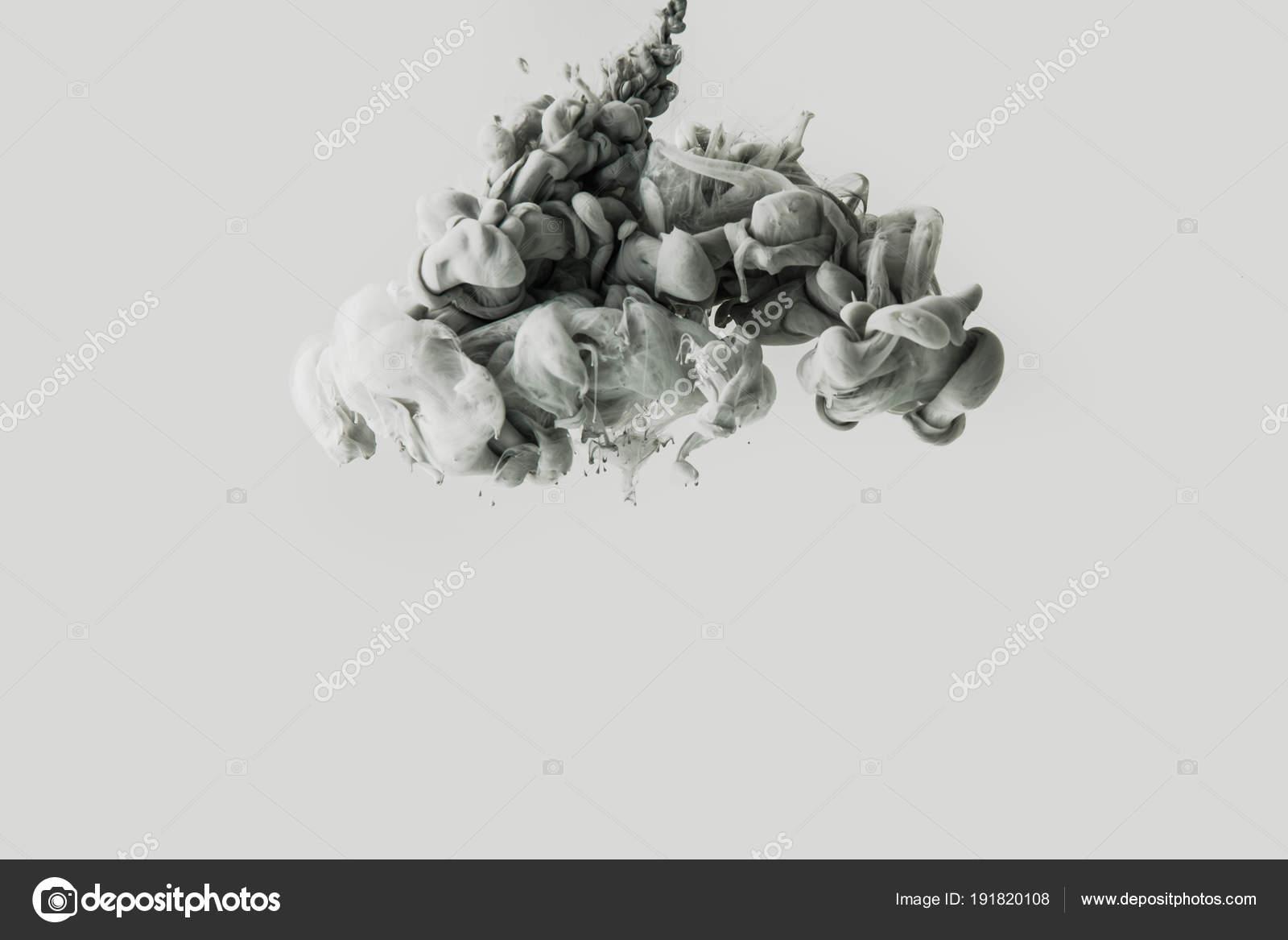 nahaufnahme von rauch oder spritzer wasser isoliert auf grau farben