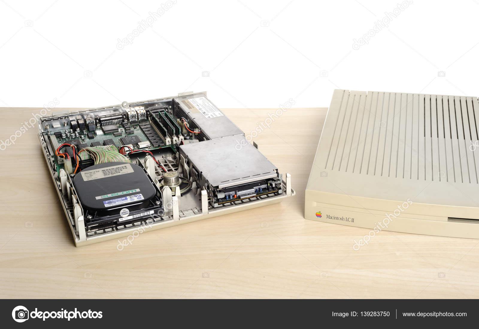 2ffeaa19a24 Macintosh Lc é a família de produtos da Apple Computer de low-end  consumidor Macintosh computadores na década de 1990 — Foto ...