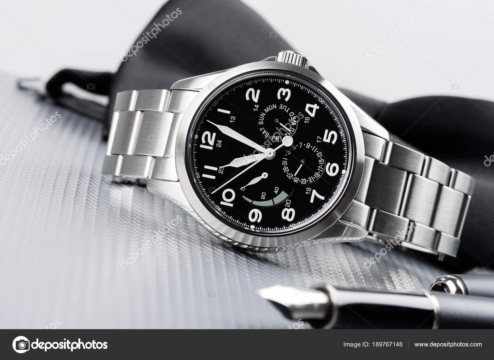Автоматична чоловіків наручні годинники — Стокове фото — розкіш ... 02e17b128dea8