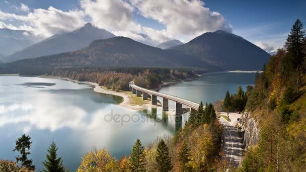 Brücke über den Sylvensteinspeicher See Allgäu Bayern Deutschland