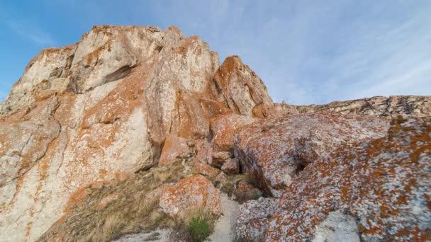 ProRes. Pobřeží jezera Bajkal a skály. Krajina