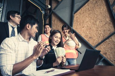 Investors get money from investors in the insurance business with the bank, businesswoman get money concept, bank customers come to negotiate a loan to invest