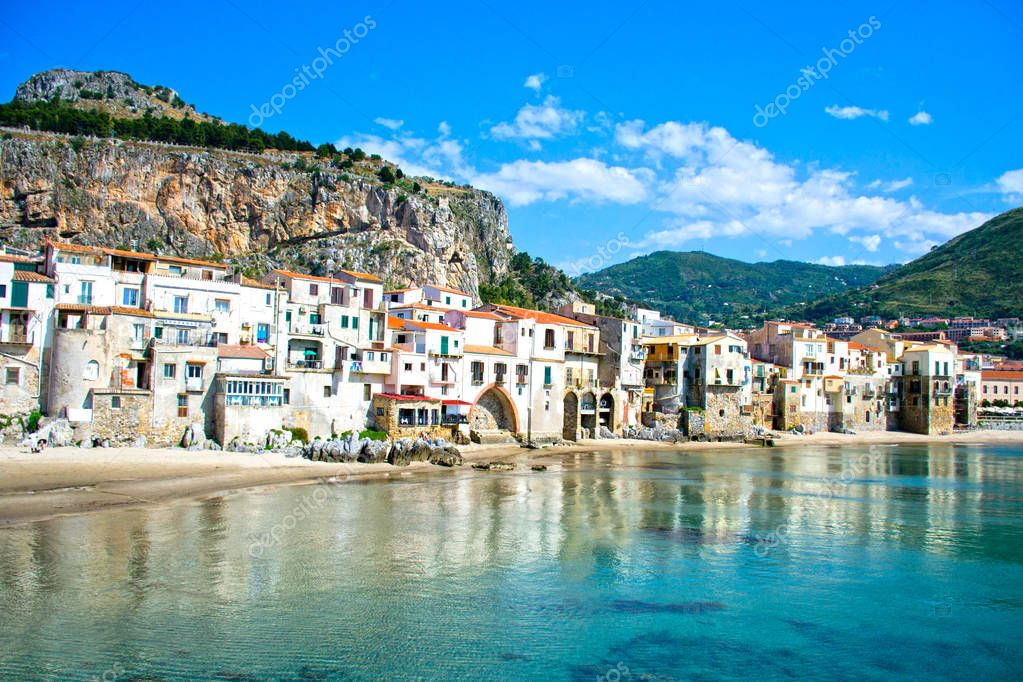 Cefalu palermo sicilia photographie letyg84 141175096 for Stock mobili palermo