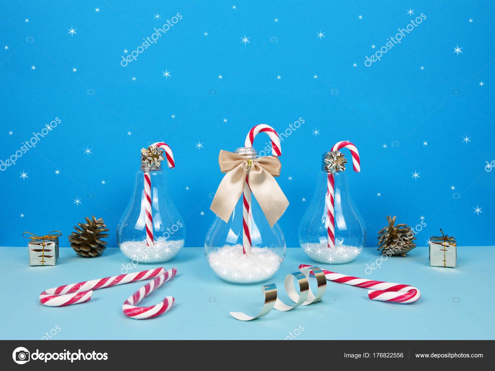 Weihnachten-Komposition mit dekorativen Weihnachtsbaum, Santa, gif ...