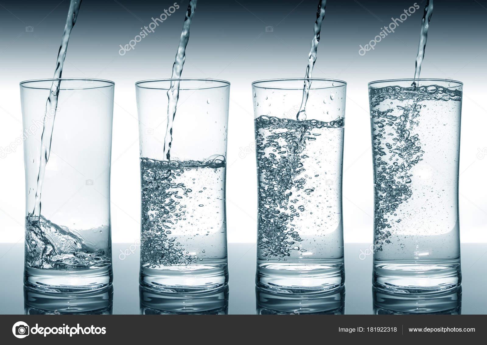 Agua Llenado Vasos En Secuencia