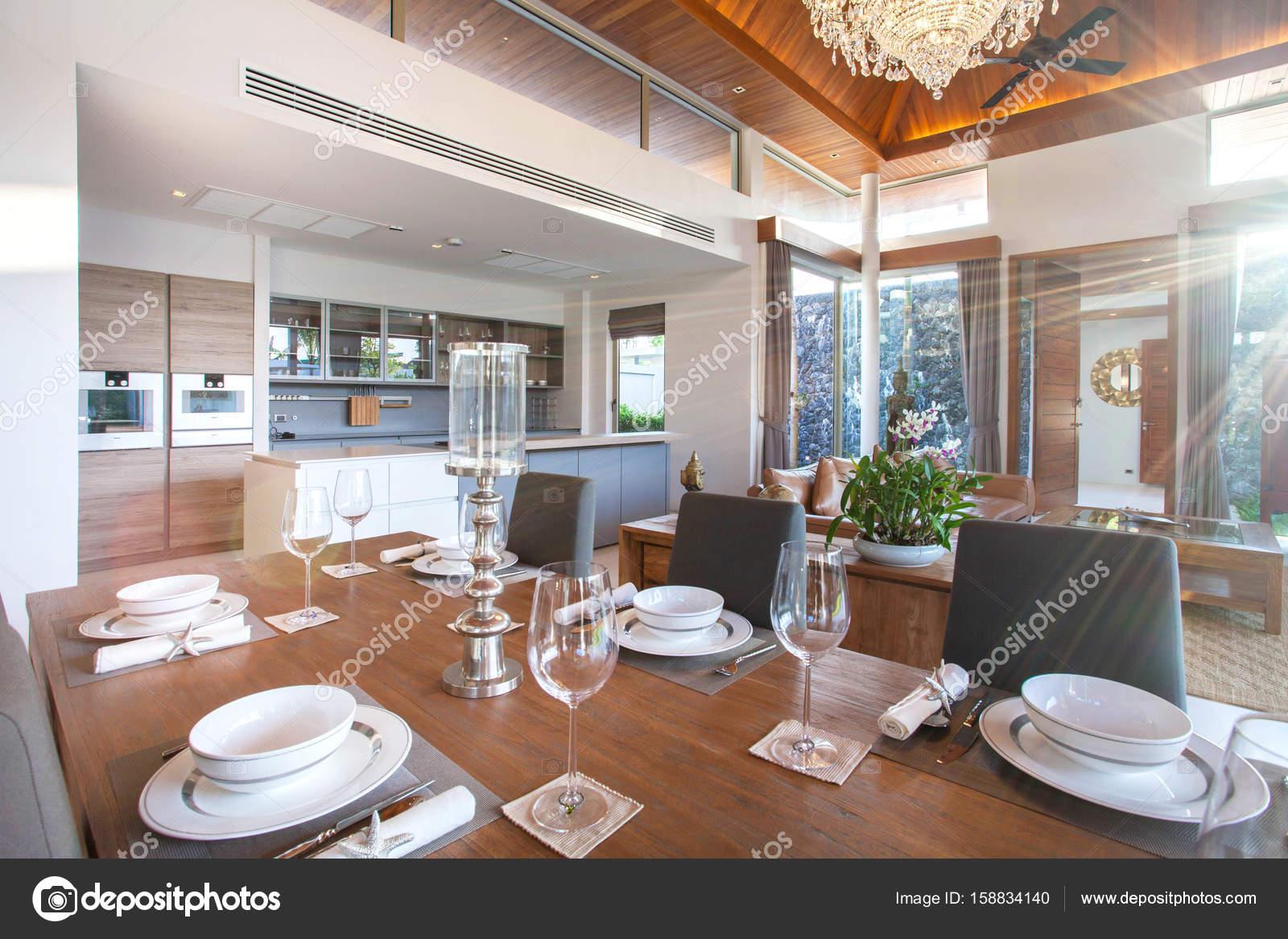 design intérieur et extérieur et la décoration de la maison ...