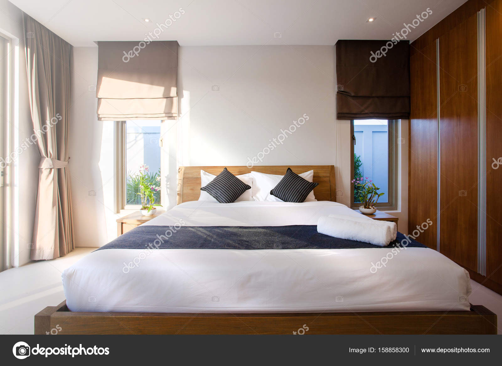 Luxus schlafzimmer mit pool  Luxus-Interieur-design im Schlafzimmer Pool Villa mit gemütlichen ...