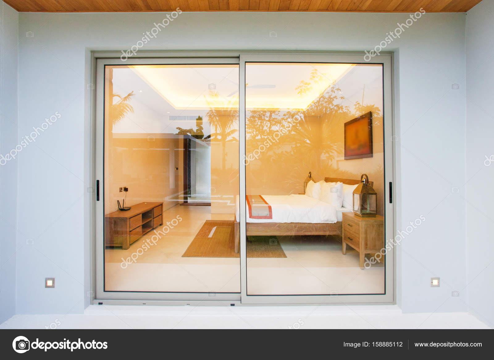 Letto luxury interior design in camera da letto della for Design della camera da letto