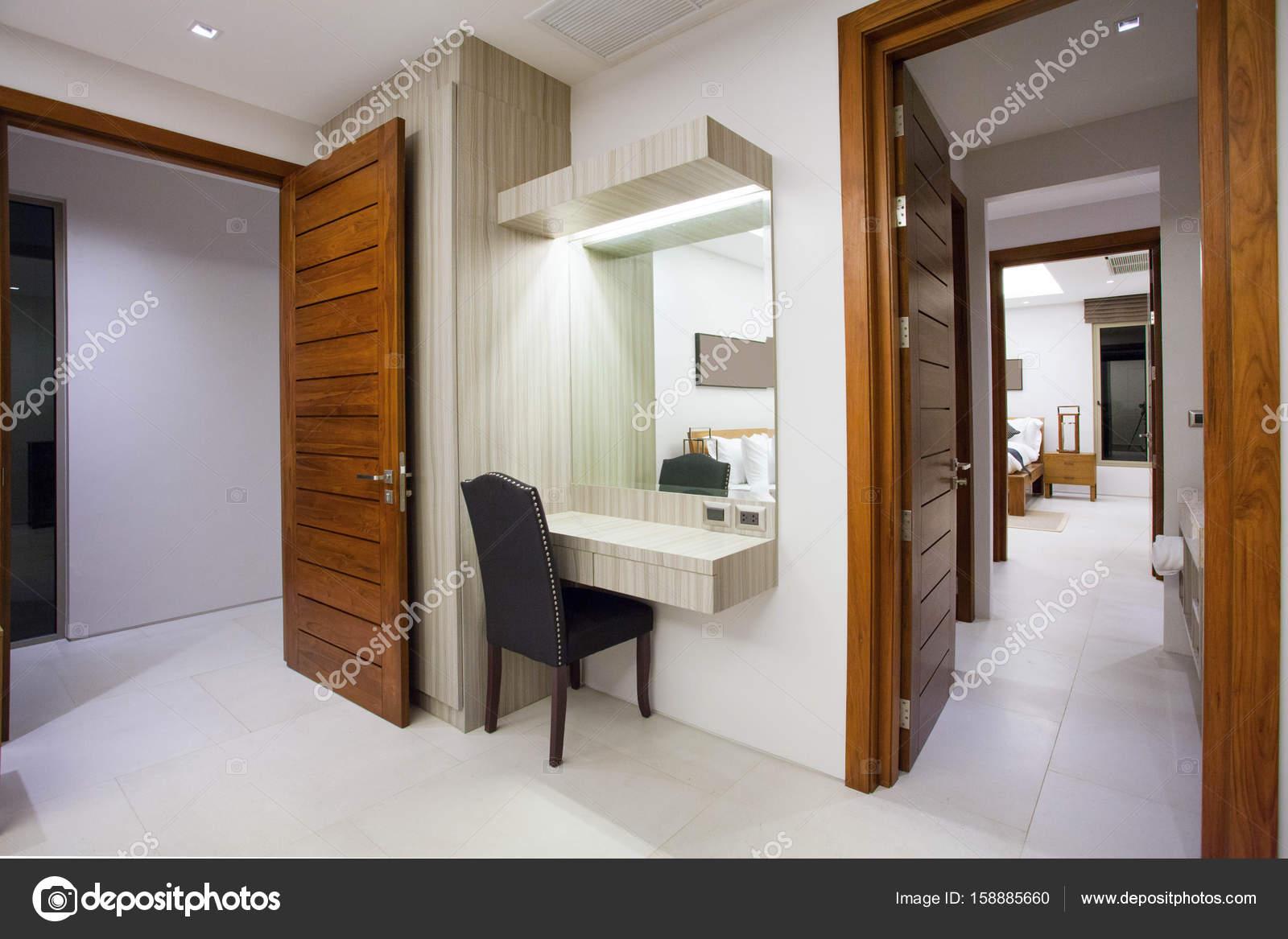 Flur Haus Interieur und Exterieur — Stockfoto © poyoky@gmail.com ...