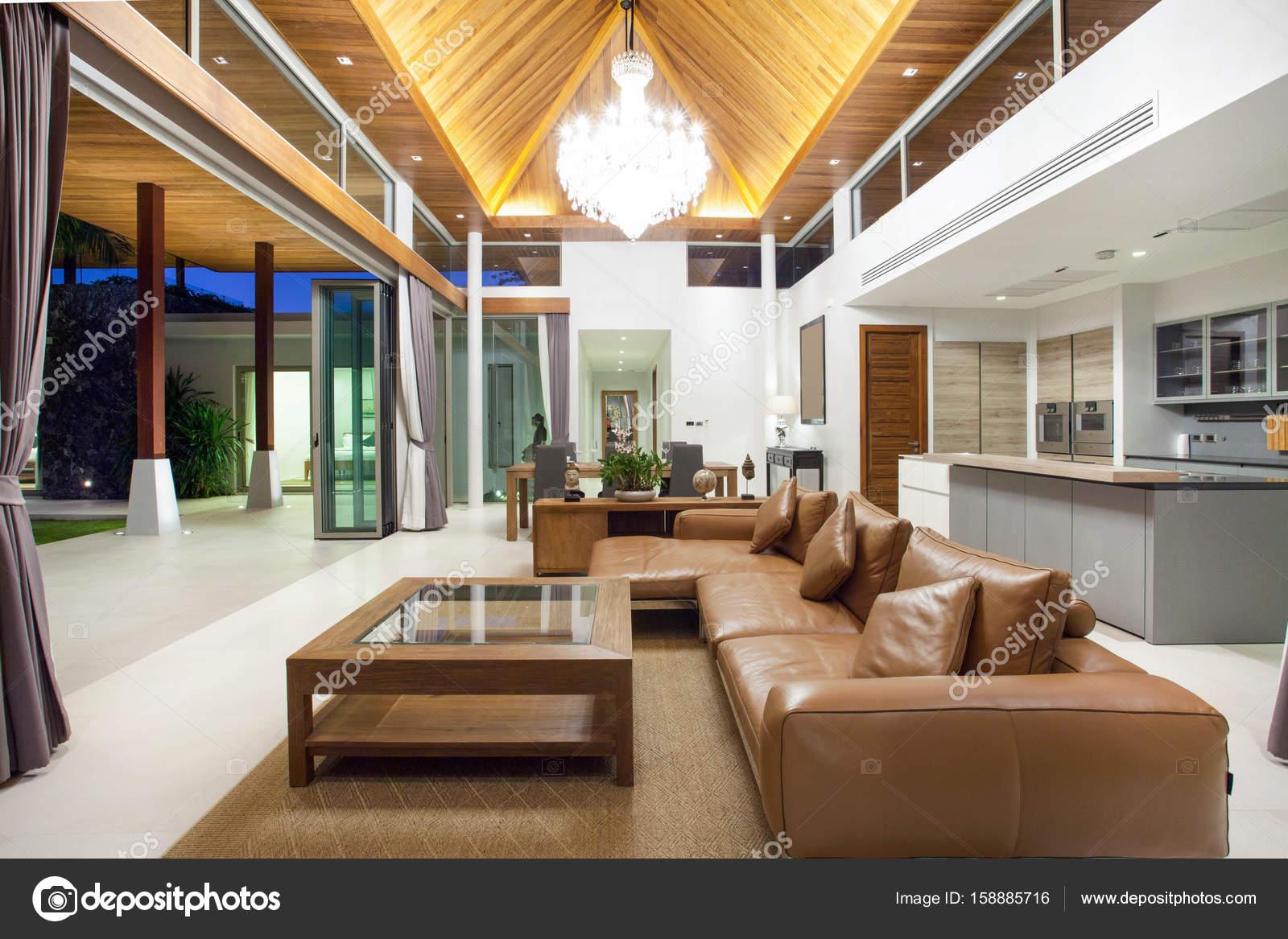 Luxus inneneinrichtung im wohnzimmer von pool villen for Inneneinrichtung wohnzimmer