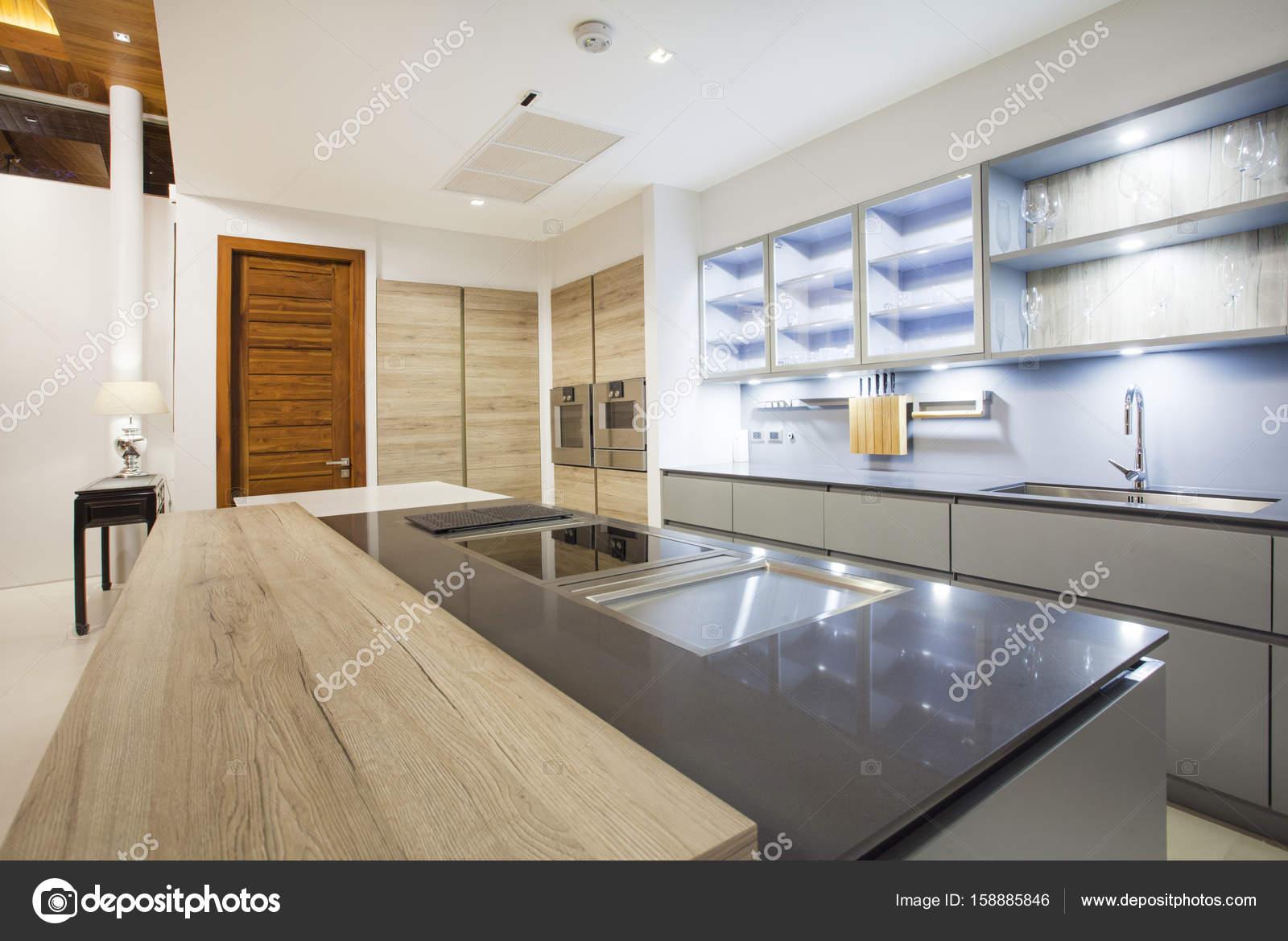 Luxe Interieur Ontwerp : Luxe interieur design villa met privézwembad in keuken die zijn