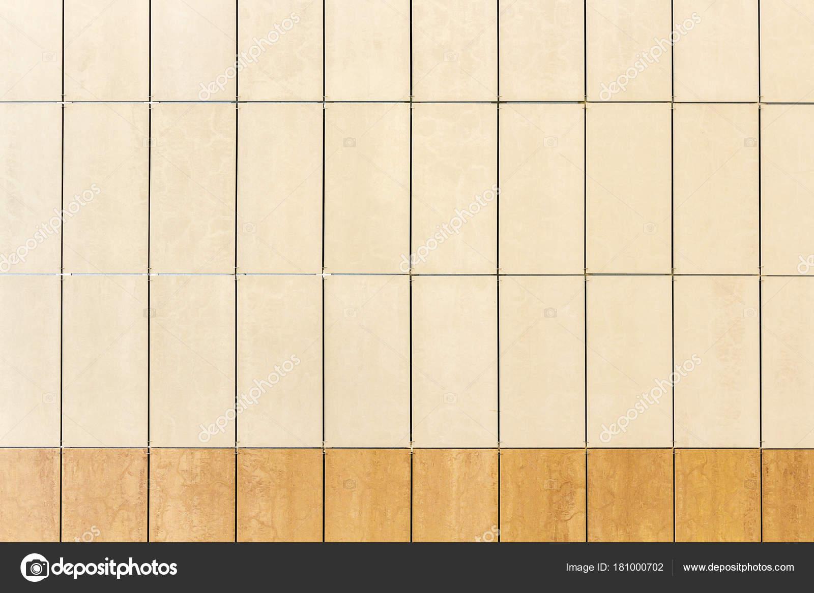 Fondo di struttura della parete di piastrelle beige chiaro u2014 foto