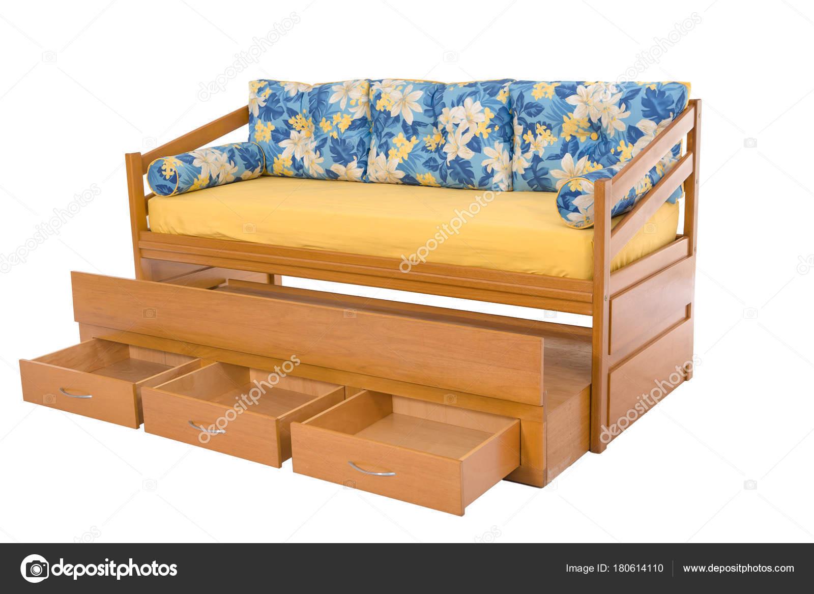 Tre sedili accogliente divano letto legno isolato su bianco — Foto ...