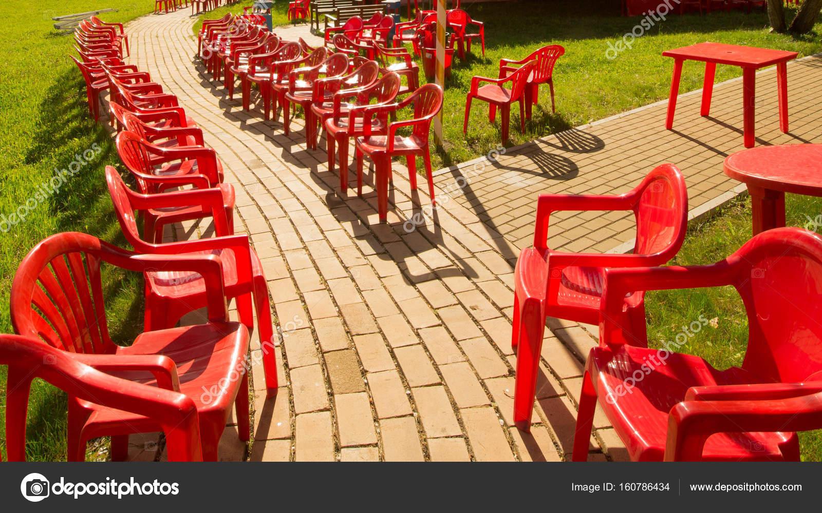 Puente jard n parque patio al aire libre silla rojo for Jardin al aire libre de madera deco