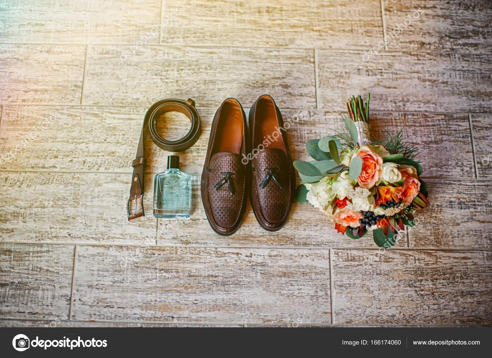 d009ae27e341 Dettagli del matrimonio. Accessori per lo sposo. Scarpe