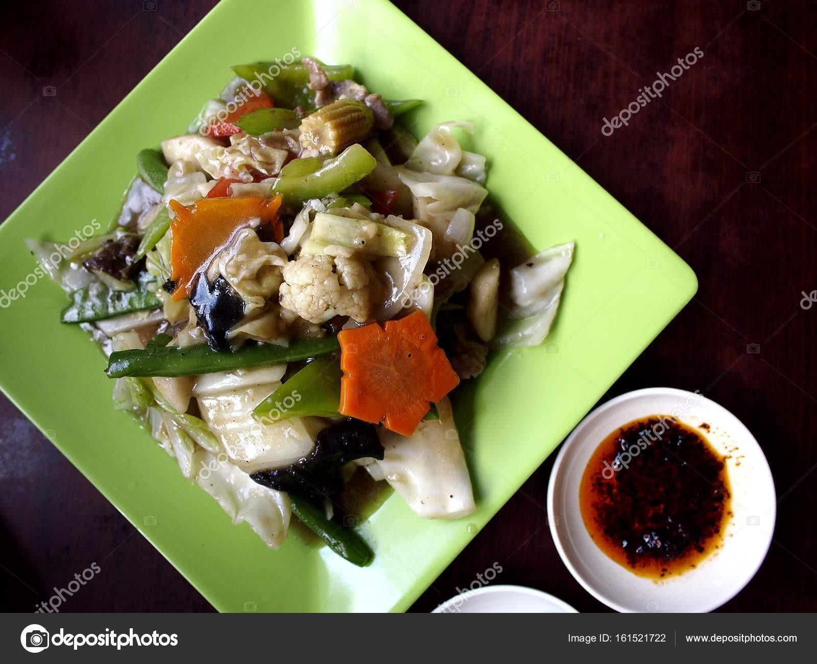 Asiatische Küche genannt Chop Suey — Stockfoto © junpinzon #161521722