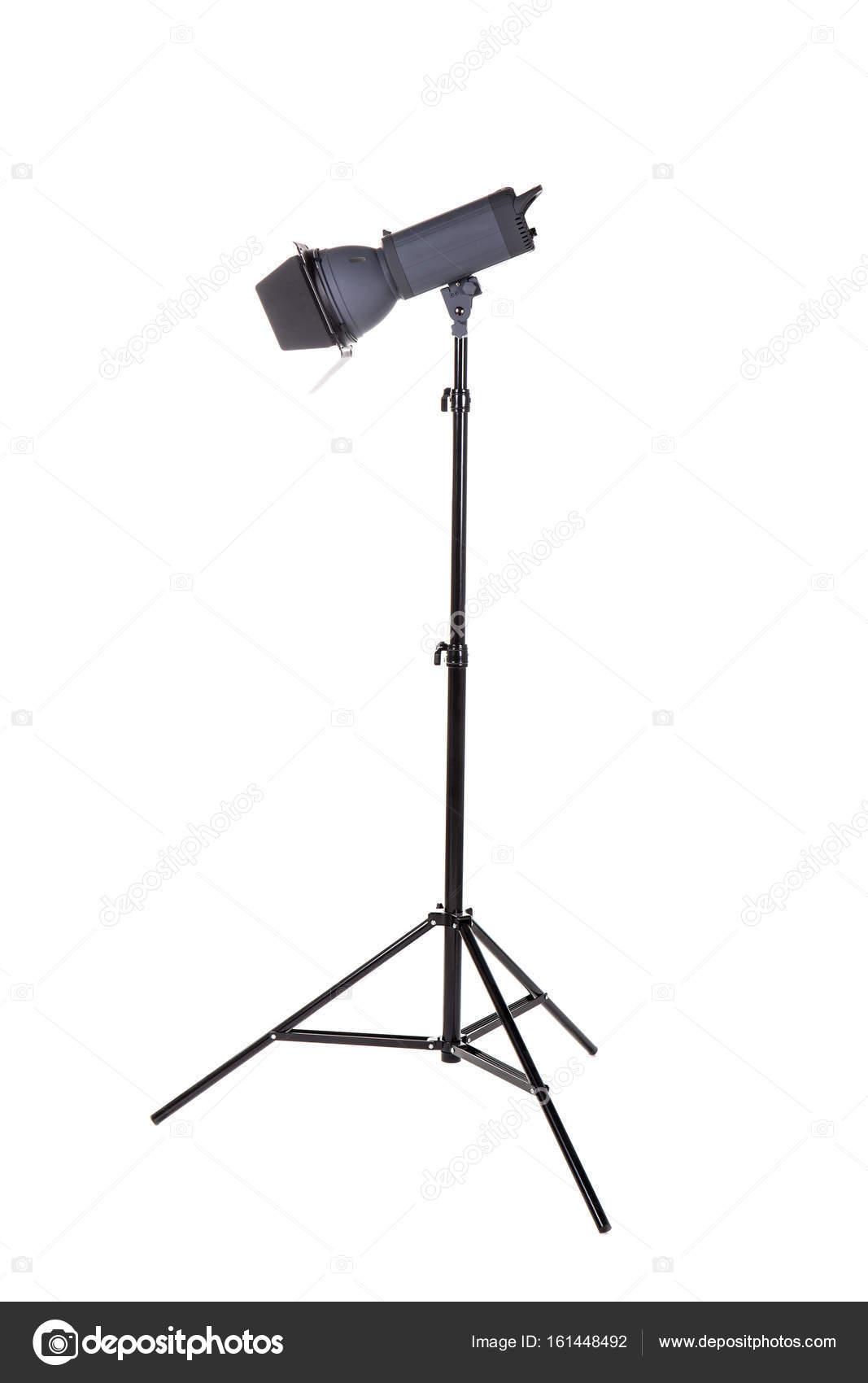 studio verlichting op een statief staan gesoleerd op een witte achtergrond professionele verlichting