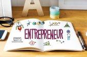 Podnikatel koncept s notebookem