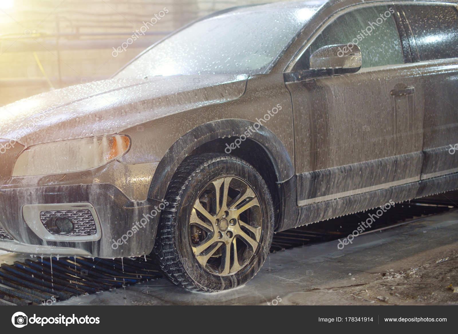 lavage int rieur voiture sale photographie klavdiyav 178341914. Black Bedroom Furniture Sets. Home Design Ideas