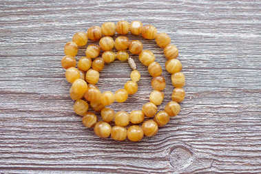 amber beads necklace top view