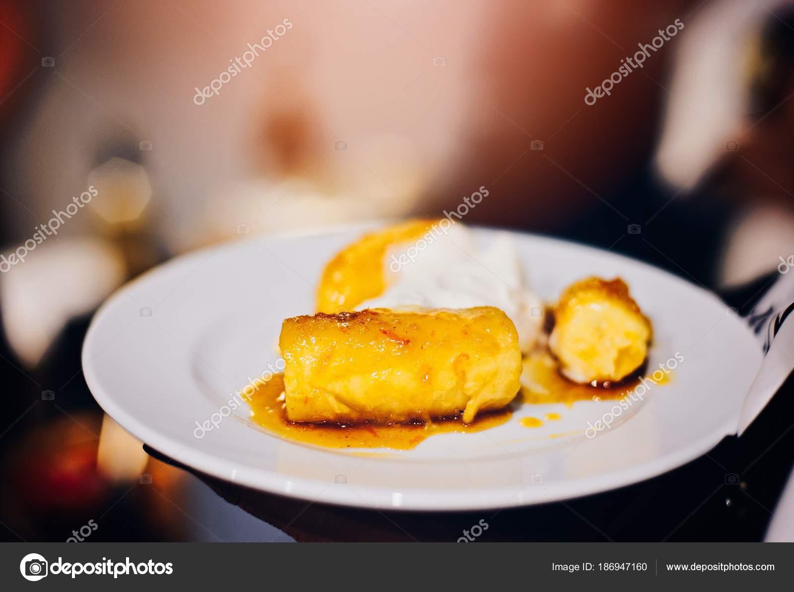 Жареные бананы десерт