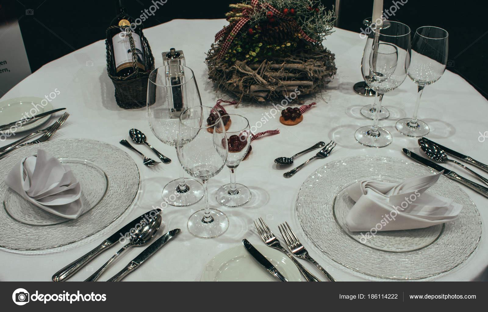 Portion Den Festlich Gedeckten Tisch Weihnachten Tischdekoration