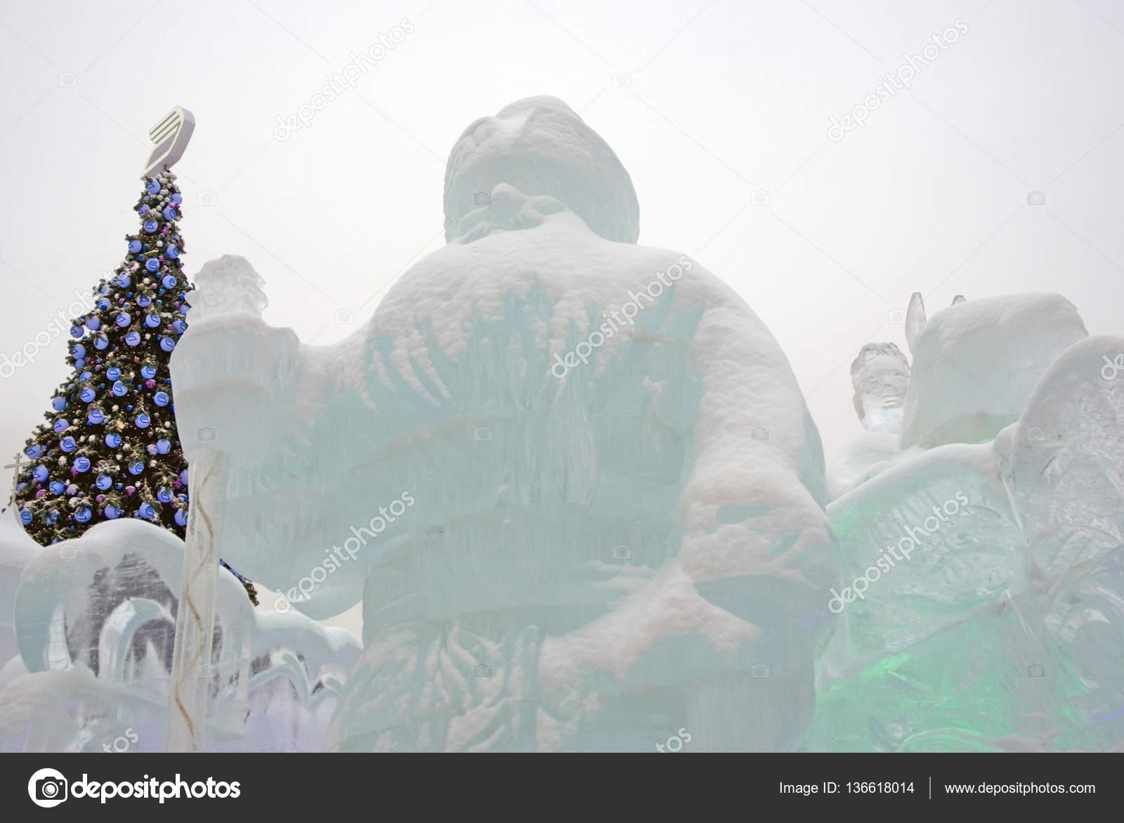 Ice figures in Moscow. – Stock Editorial Photo © Nevakalina #136618014