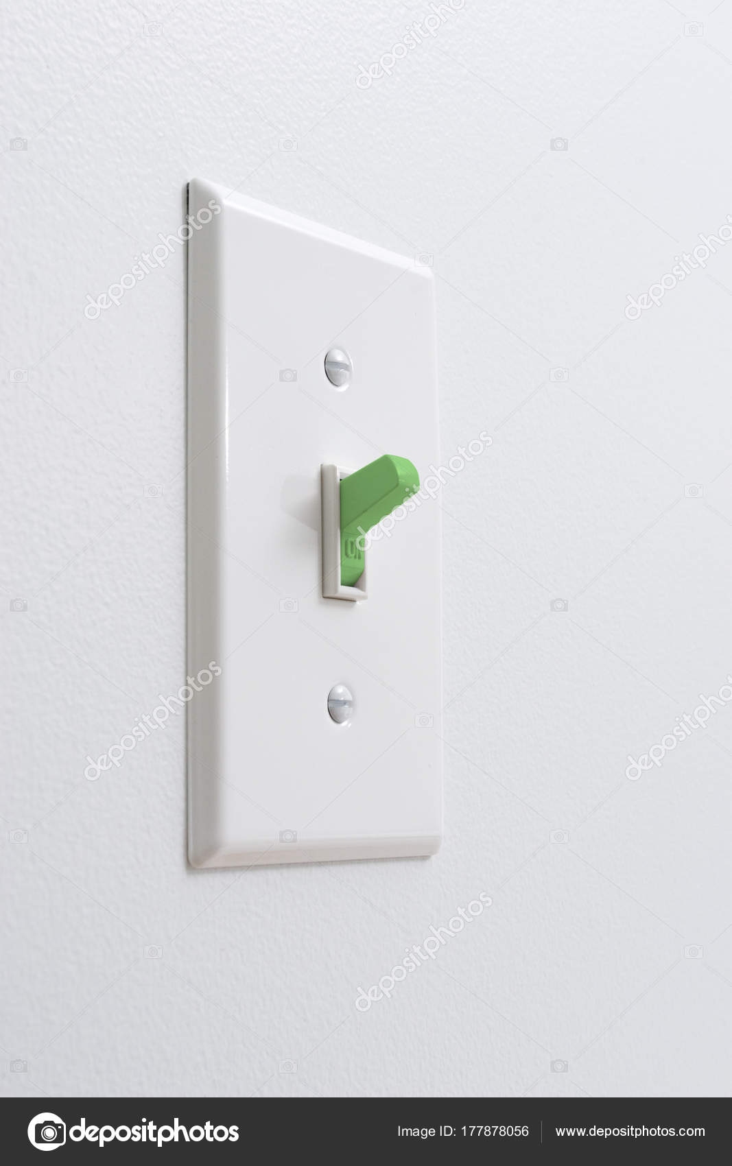 Ökostrom Lichtschalter — Stockfoto © ereidvetophoto.yahoo.com #177878056