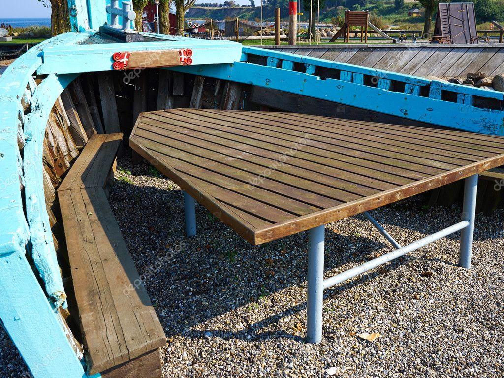 Table de jardin extérieur créatif pique-nique effectuée à l ...