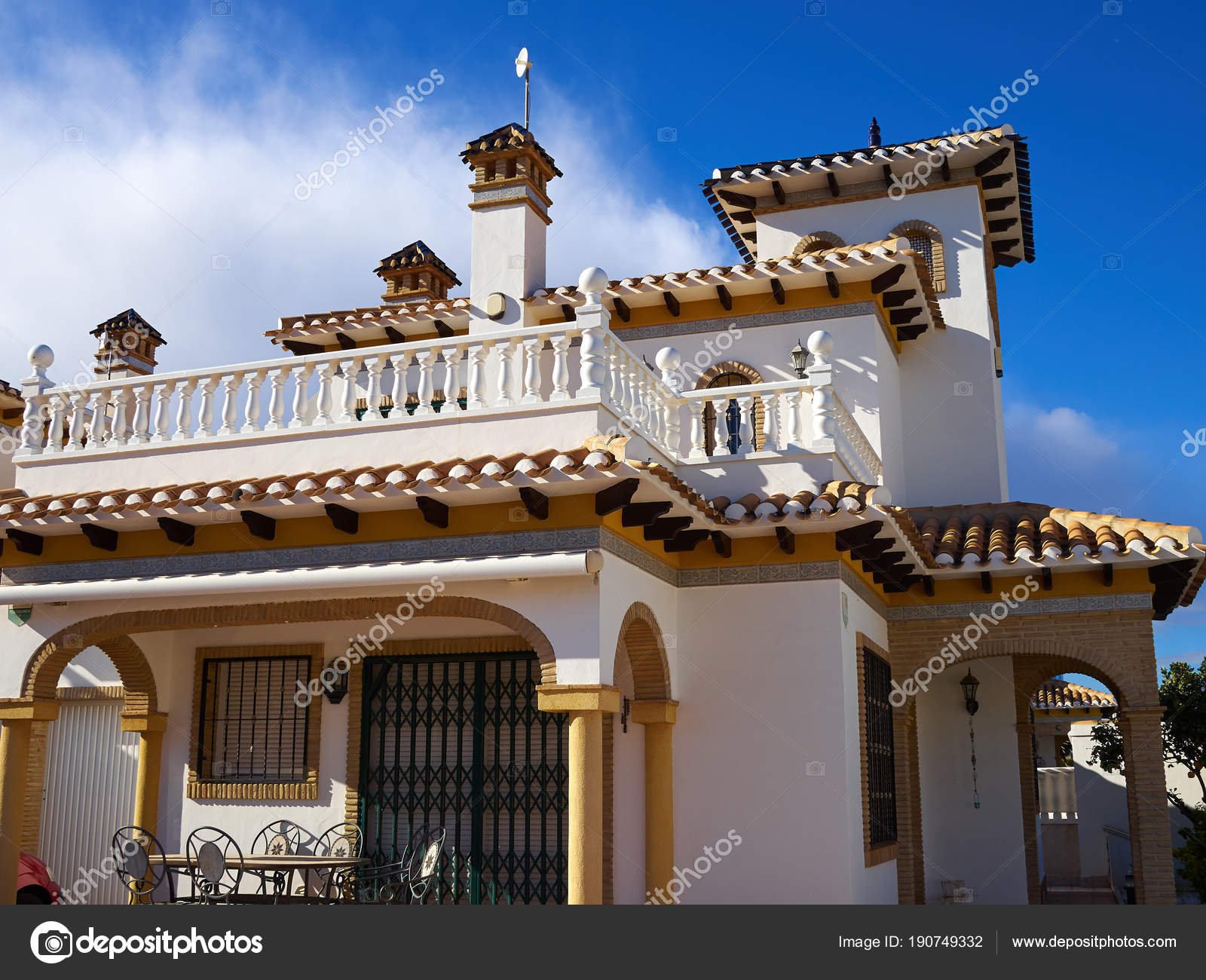 Traditional Spanish Style House Real Estate Spain Stock Photo C Ronyzmbow 190749332