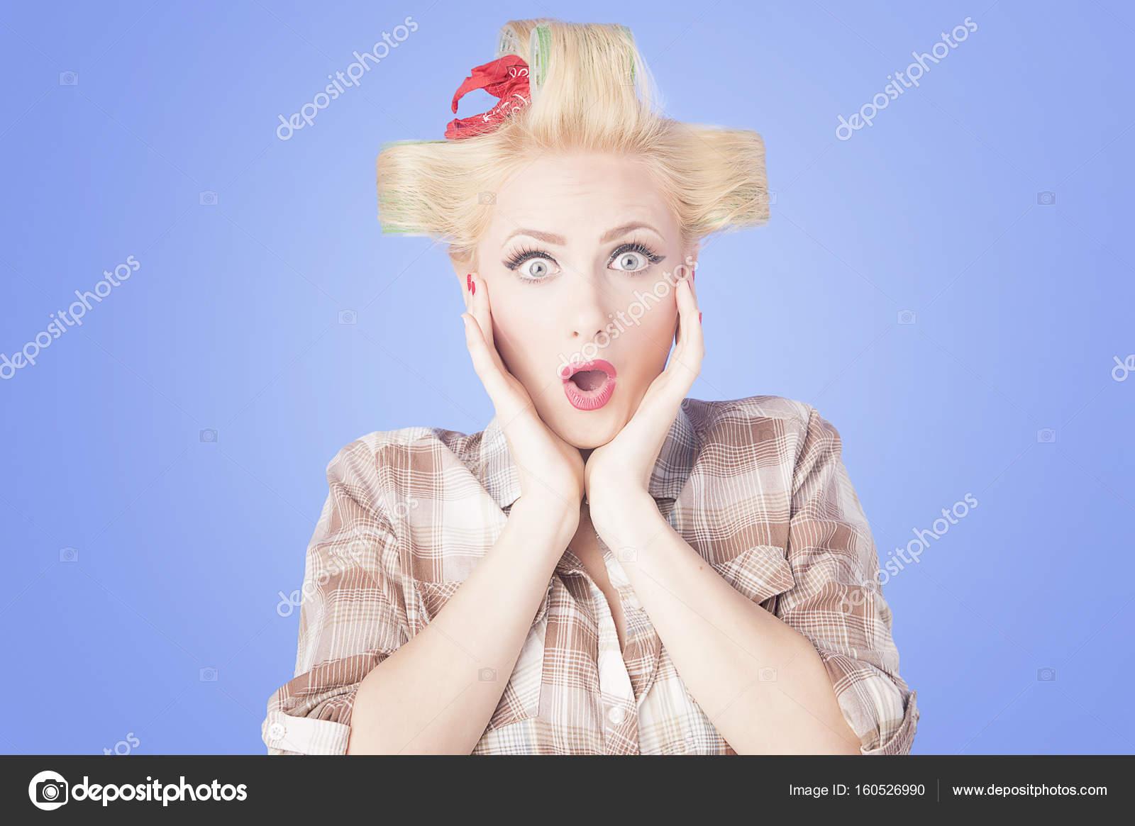 blonde Hausfrau