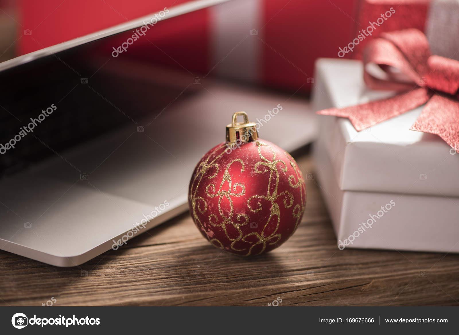 Beste Weihnachten Geschenke Idee — Stockfoto © FabioBalbi #169676666