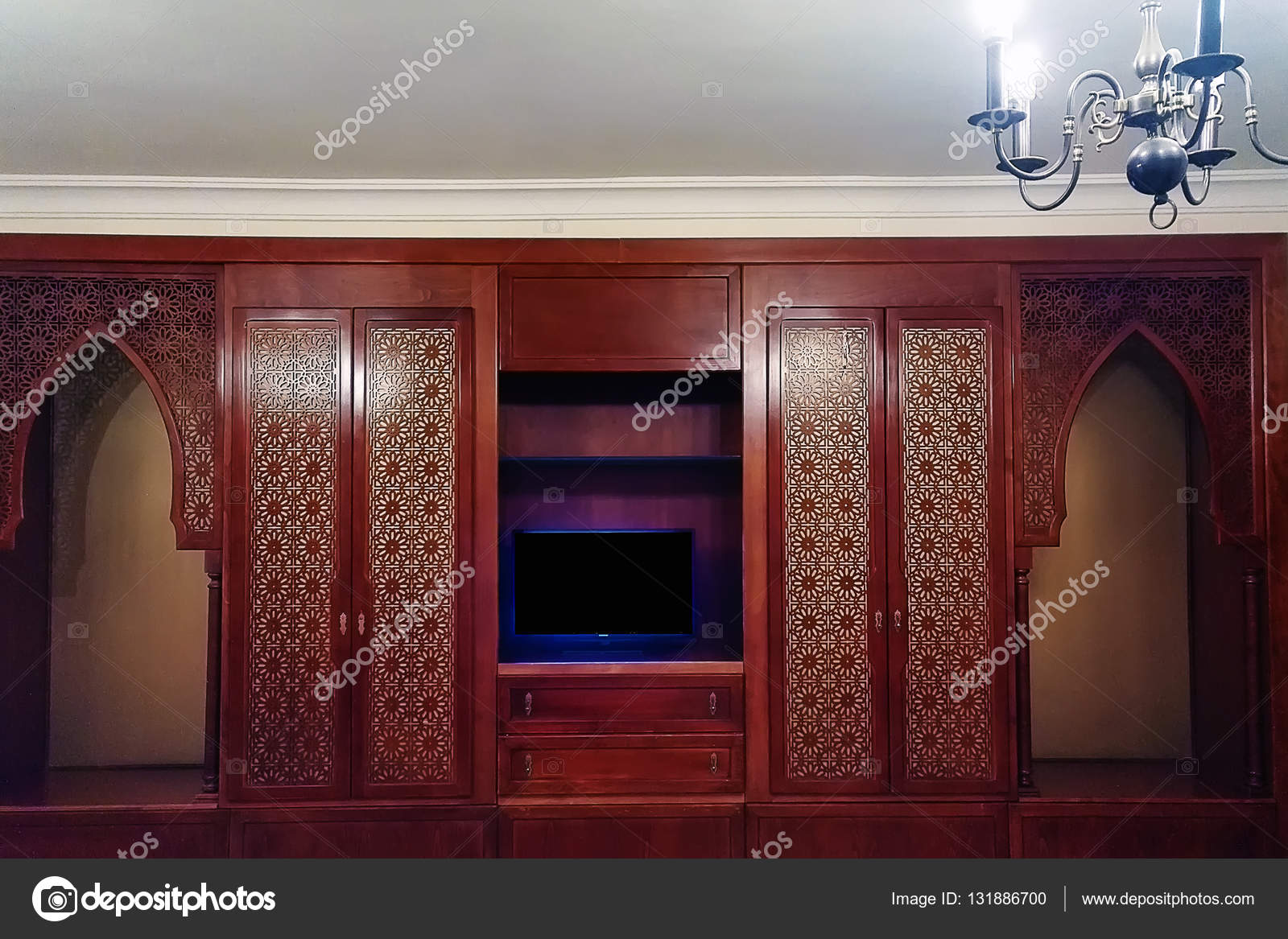 Interieur met mahonie kasten kamer in oost noord afrikaanse stijl