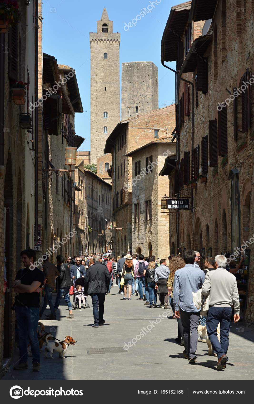 Busy street in San Gimignano – Stock Editorial Photo © bacil82 ...