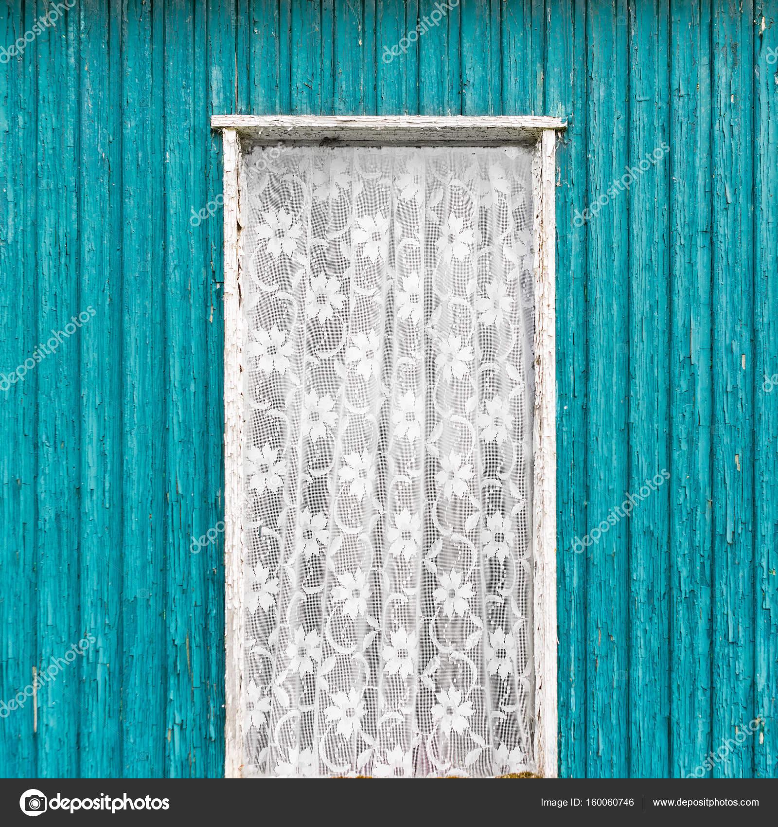 Alte Vintage Türfenster mit weißen Spitzevorhang — Stockfoto ...