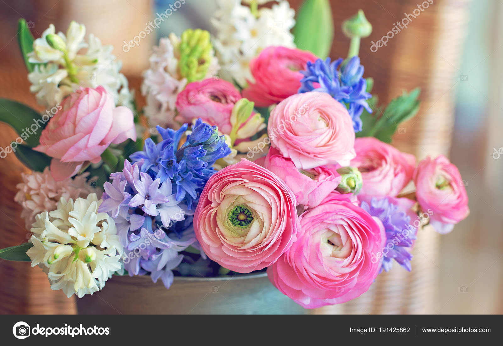 Beautiful Bouquet Spring Flowers Vase Table Lovely Bunch Flowers ...