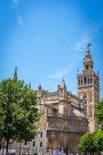 Fotografie Der Glockenturm Giralda der Kathedrale in Sevilla, Spanien, Europa