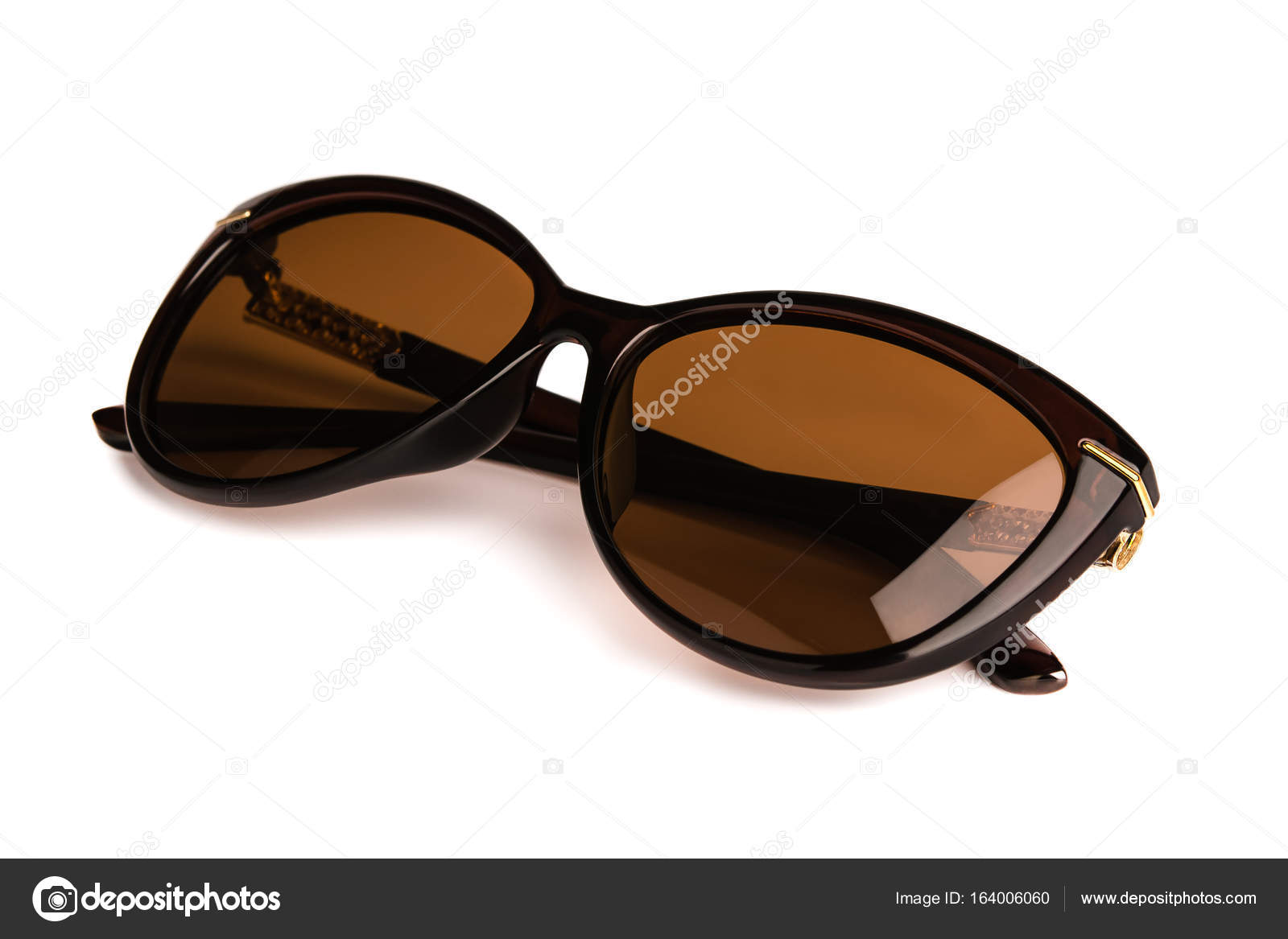 3d765a182 Stylish womens sunglasses isolated on the white background — Stock Photo